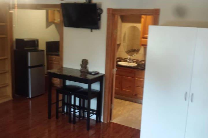 Entire Place,Private Studio,Full Kitchen&Bathroom