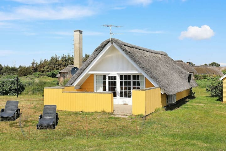 Vintage Holiday Home in Ringkøbing With Naturalistic Views