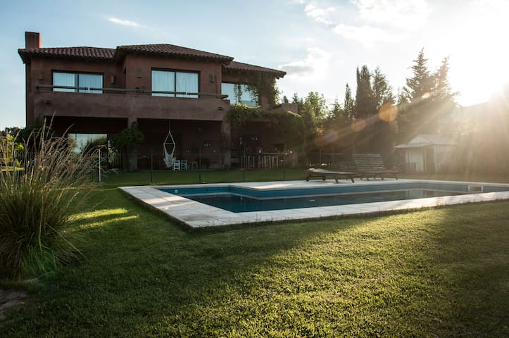 HOUSE IN COUNTRY GOLF CLUB - Guaymallén