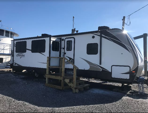 Oak Pointe RV Camper rental