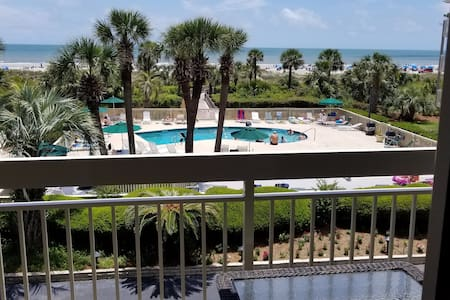 ⚡Private Beach access✔ Oceanfront✔pool✔WiFi✪For 6