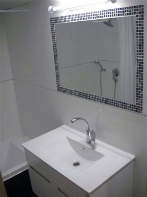 Nice clease and clean bathroom
