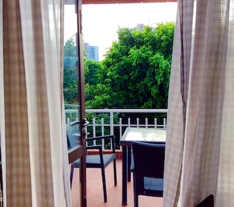 Cosy room with park facing private terrace - Gurgaon