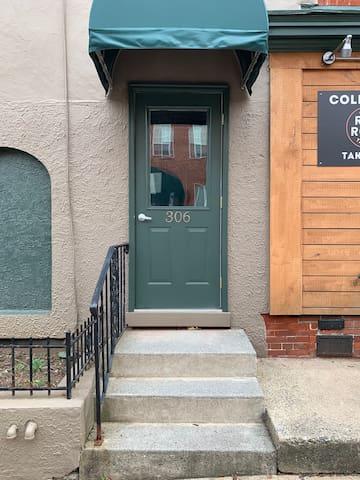 306-2 W James Street, Lancaster, PA  17603