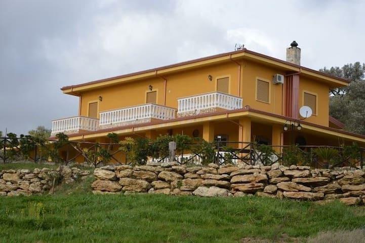 La Collina dolce Azienda agrituristica (Farmhouse) - Cropani - Bed & Breakfast