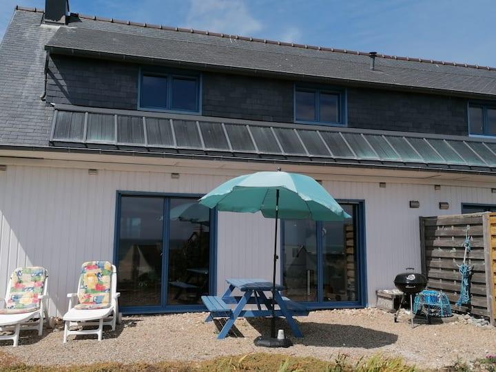 Eco-gîte KUZH HEOL au calme à 150m de la mer.