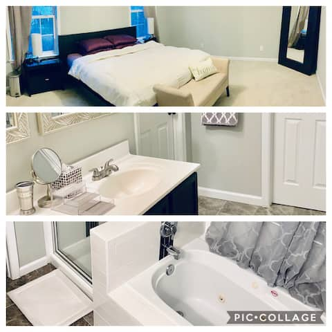 Spacious Master Suite with jet tub, king size bed