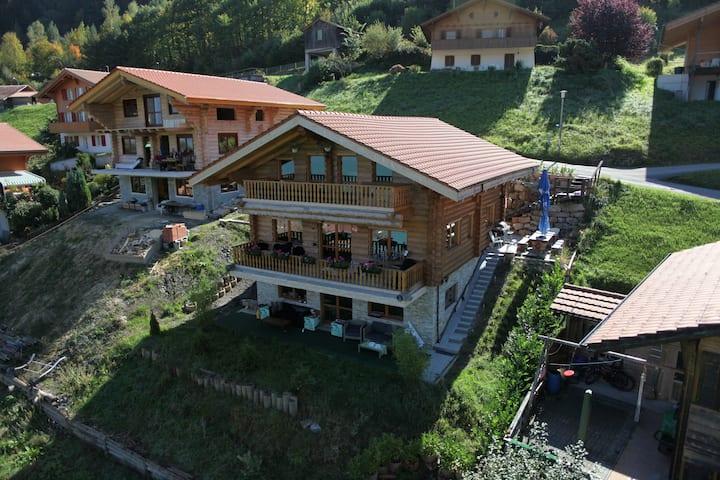 Log Home Iseltwald bei Interlaken + Panoramasicht