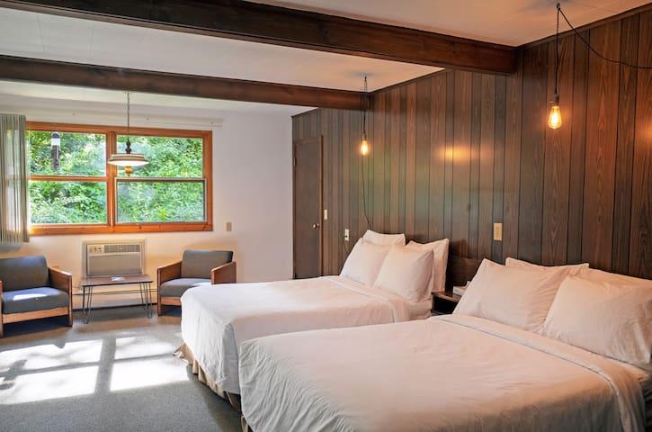 Treman Lodge Double (Grayhaven Motel - Rm #21)