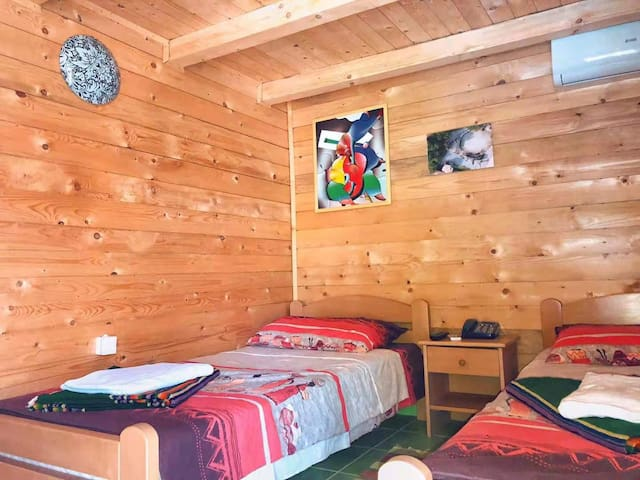 Holiday Farm——Twin Room with External Bathroom