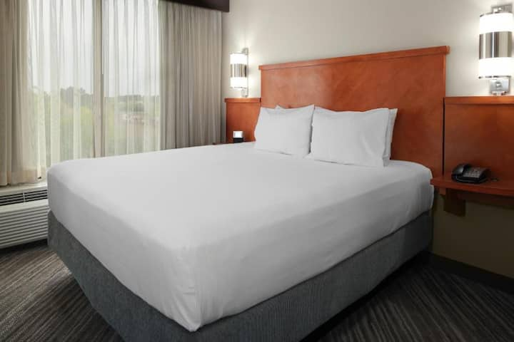 Pleasant Double Bed Non Smoking At Denver International Airport