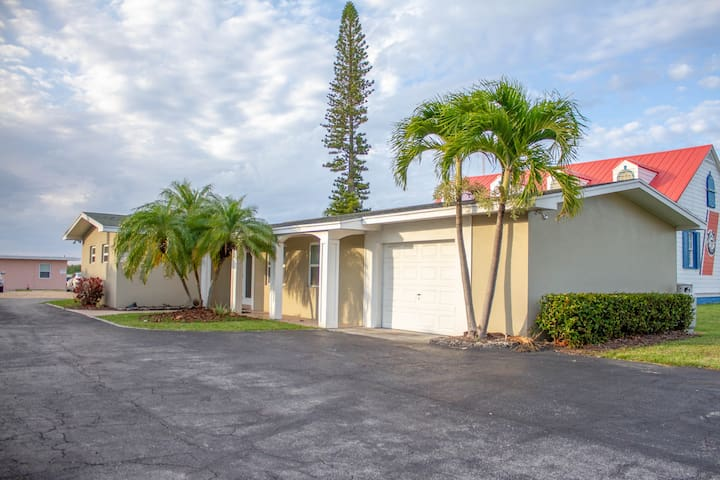 Gorgeous Beach Front Fort Pierce Inlet House 2/2