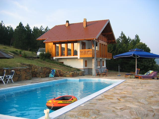 Luxury villa with huge pool - Divčibare - Haus