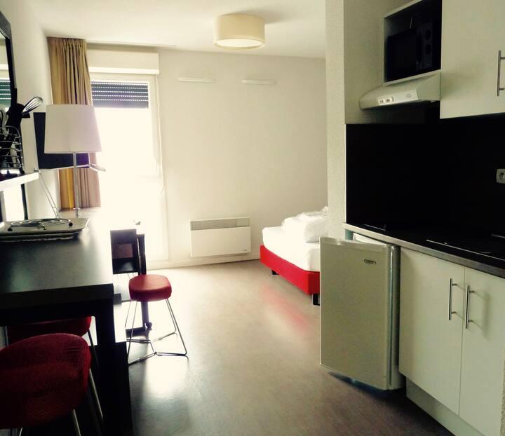 Apt T1 pmr meublé en résidence à services
