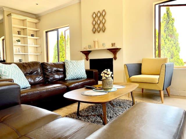 Relaxed Suburban Apartment  Sunny & Modern