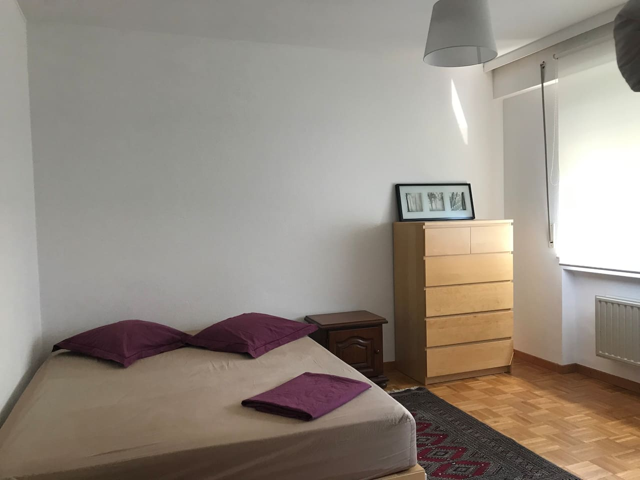 Nice bright room in quiet place , parking near