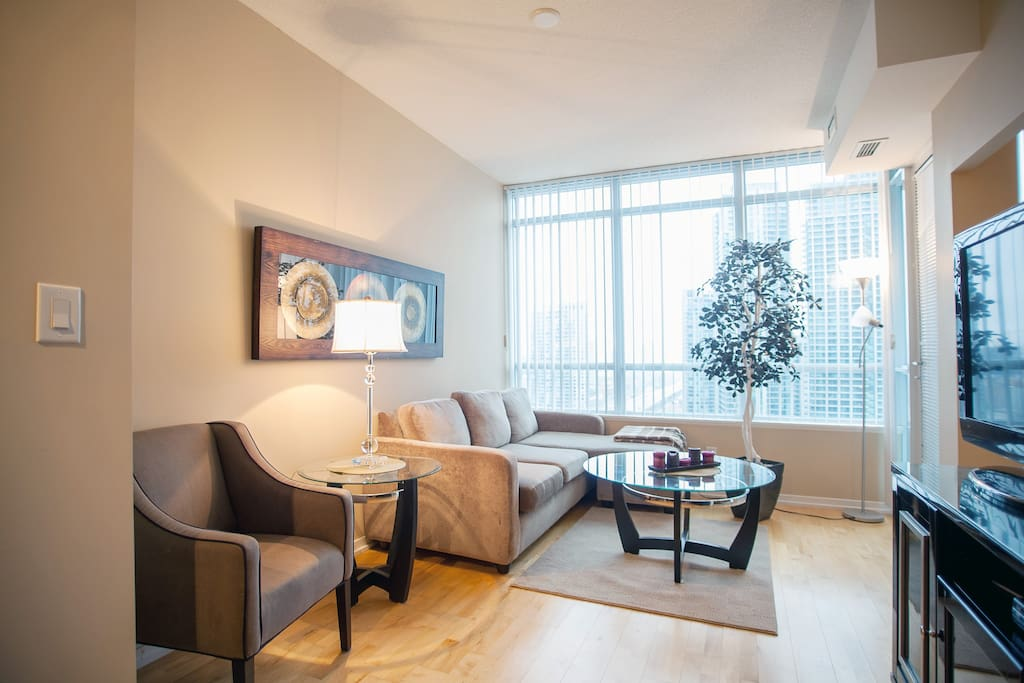 Upscale Downtown Toronto Airbnb - Apartments for Rent in ...