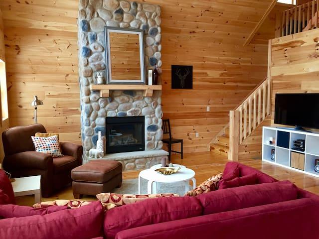 Beautiful new resort cabin in the Pocono's!!