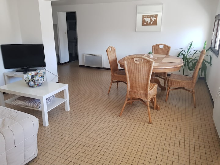 Appartement Montreuil Bellay, garage/parking privé