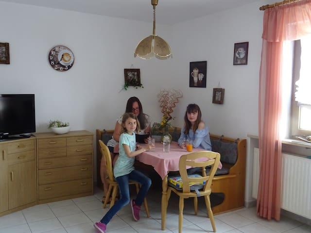 Ferienhaus Enzner (Muhr am See), Fewo mit Sonnenbalkon für 3 Personen
