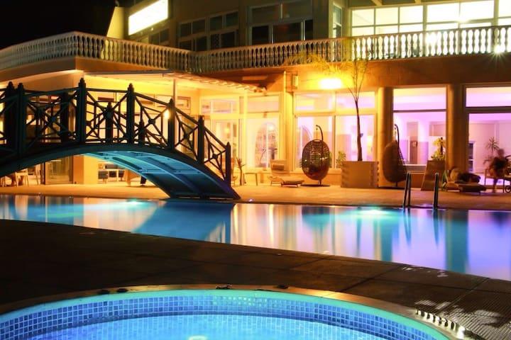 2 bedroom Apartment in Caesar Resort