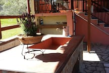 Παραδοσιακή μονοκατοικία με μεράκι.