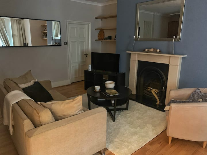 A big studio minutes from Holland Park.