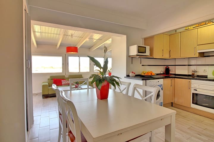 Lovely views and terrace near old town Alcúdia! - Alcúdia - Lejlighed