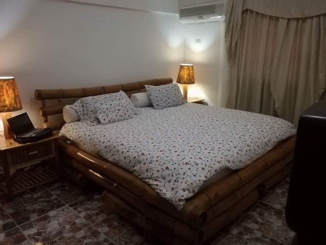 Private double bedroom available in amazing villa