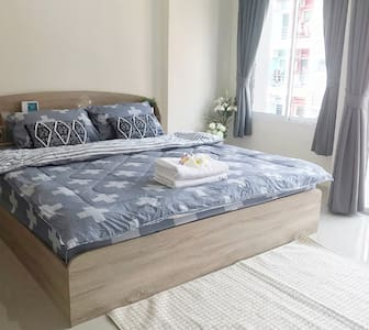 ⭐⭐Cosy Room quiet area King bed & Own Balcony⭐⭐302