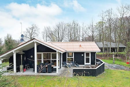 Cosy Holiday Home in Glesborg with Sauna