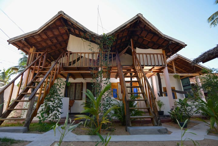 Beach Cab Resort - Arugam Bay - House