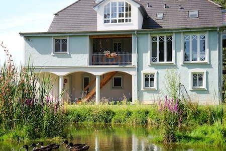 geräumiges Apartment im Grünen für 1-5 Personen - Wolnzach