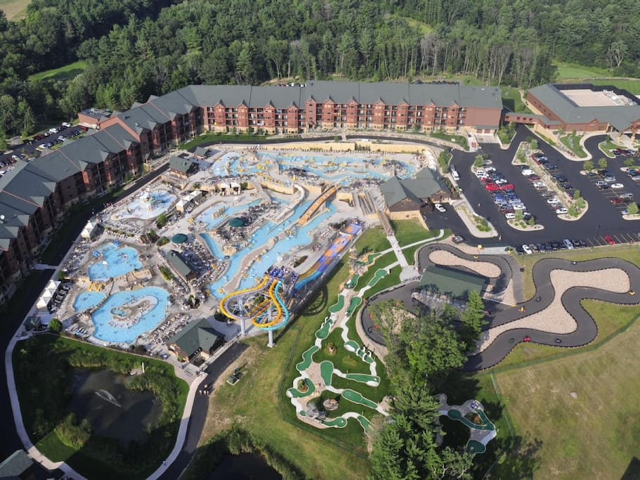 Wyndham Glacier Canyon Three Bedroom Deluxe Apartments For Rent In Wisconsin Dells