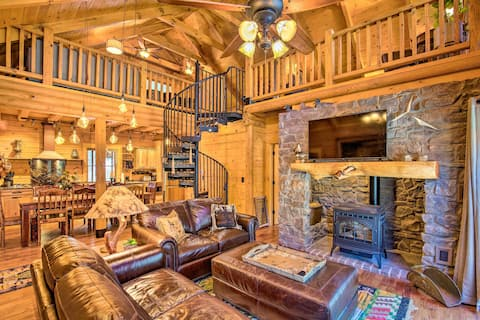 Luxury Mountain Cabin w/ Furnished Deck + Views!