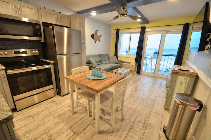 Gulf front! Remodeled! Walk to Pier Park! Pets ok!