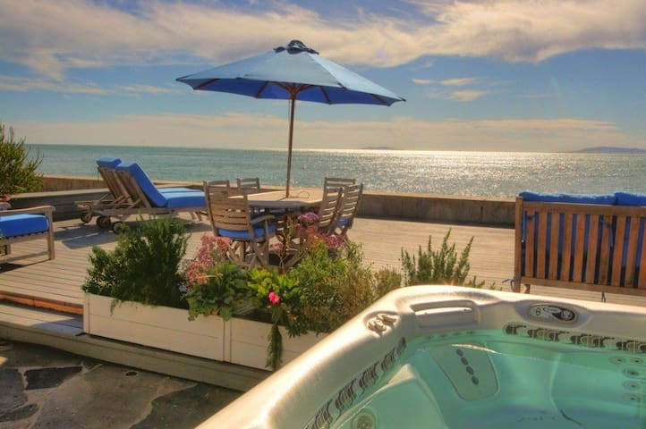 Rare on the Sand-Luxury & Romantic Seaside Ocean - Ventura