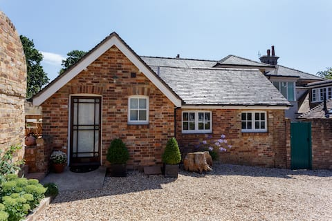 Ideal base for exploring Dorset coast and country