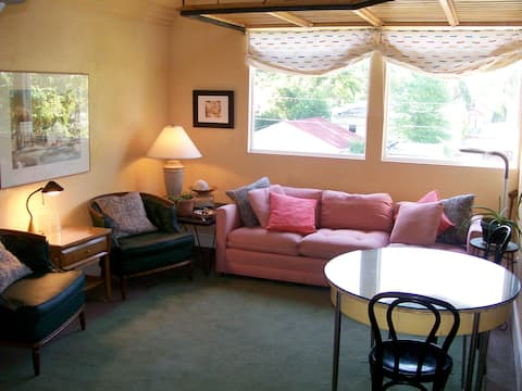 Quiet & Comfortable Furnished Loft with Roof Deck