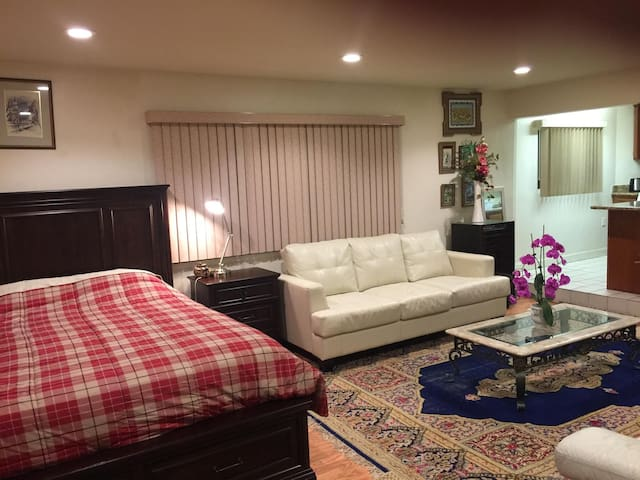 Exquisite Private Studio with Kitchen