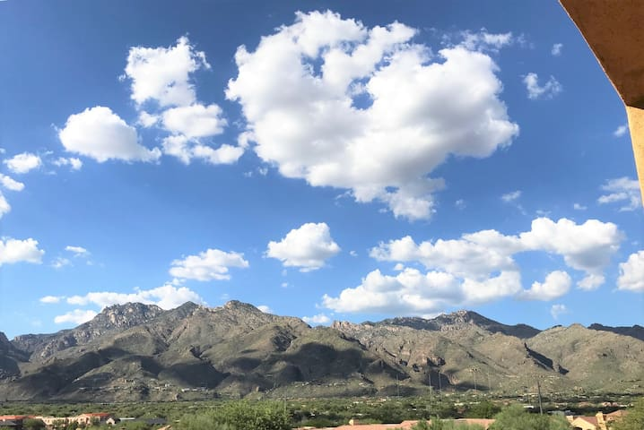 GORGEOUS MOUNTAIN VIEWS IN THIS FOOTHILLS CONDO