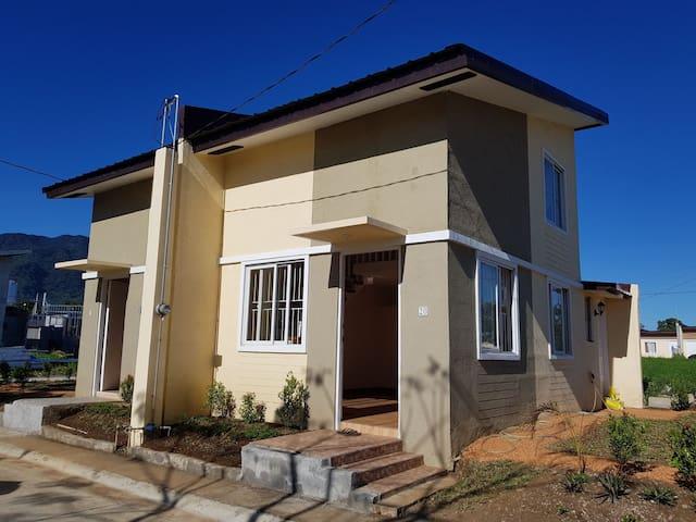 Duplex loft type home in Sto. Tomas Batangas
