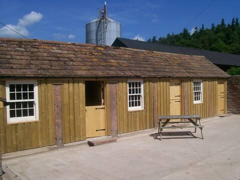 Mains Farm Bunk Barn
