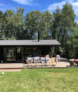 Lovely renovated summerhouse close to the beach - Vejby