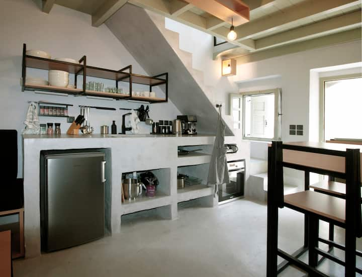 New Guesthouse in Emporios