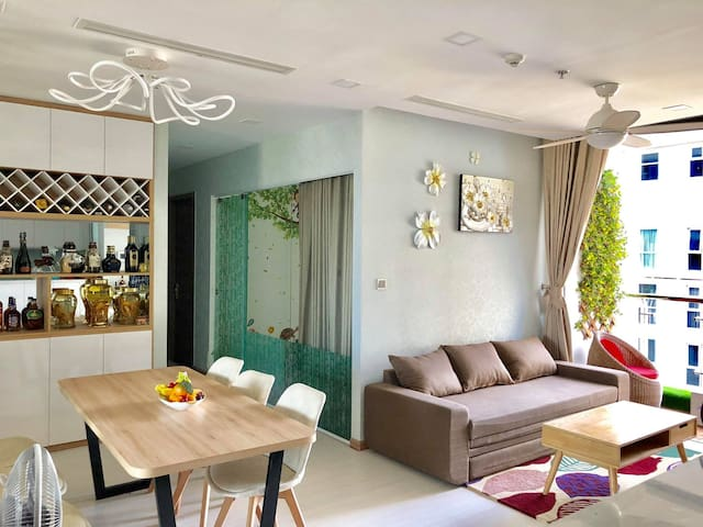Roni homestay- Vinhomes Central Park
