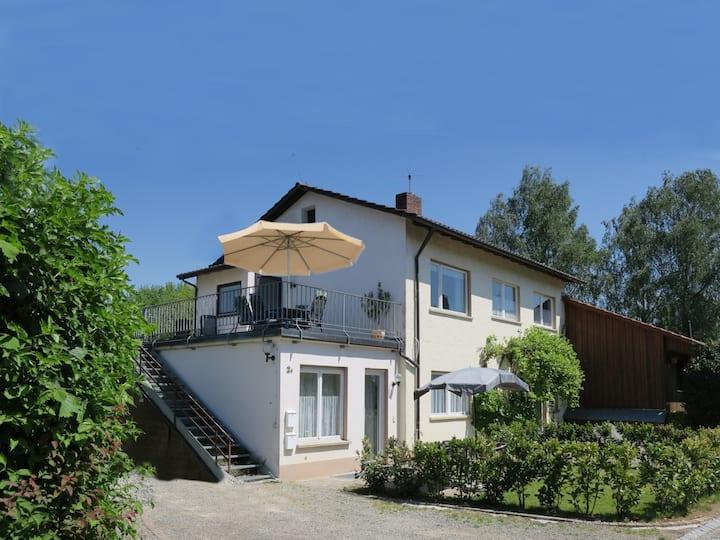 Atelier Probst- Haus Hornwiesenstraße 2, (Konstanz), Ferienwohnung D2, 60qm, 1 Schlafraum, max. 4 Personen