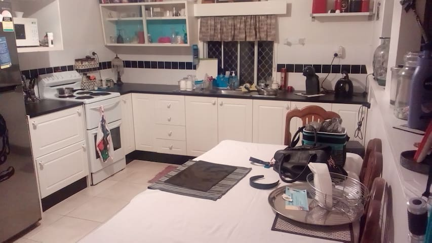 Debs cute cottage - Caboolture