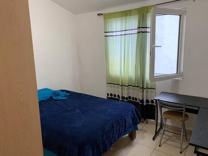 Cómoda habitación en Residencial para 1-2 personas