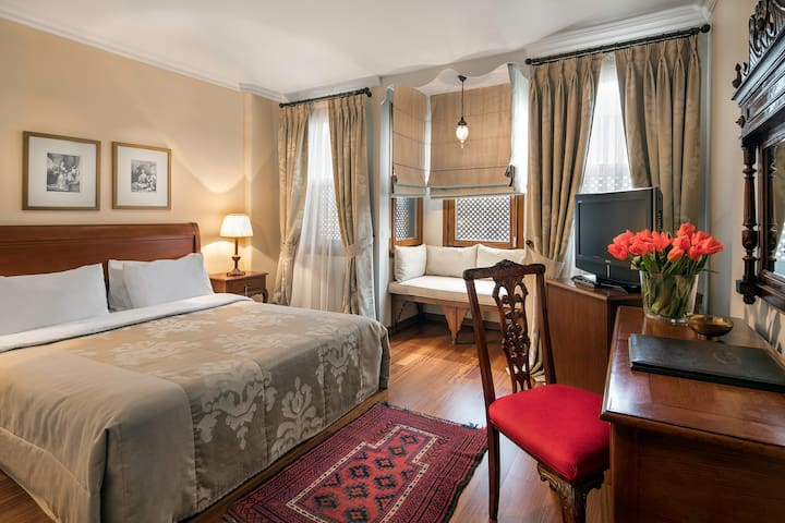 Deluxe Room In A Stylish Boutique Hotel